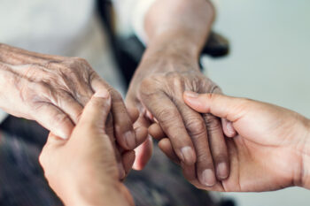 4 Reasons to Consider Assisted Living Communities for Your Parents